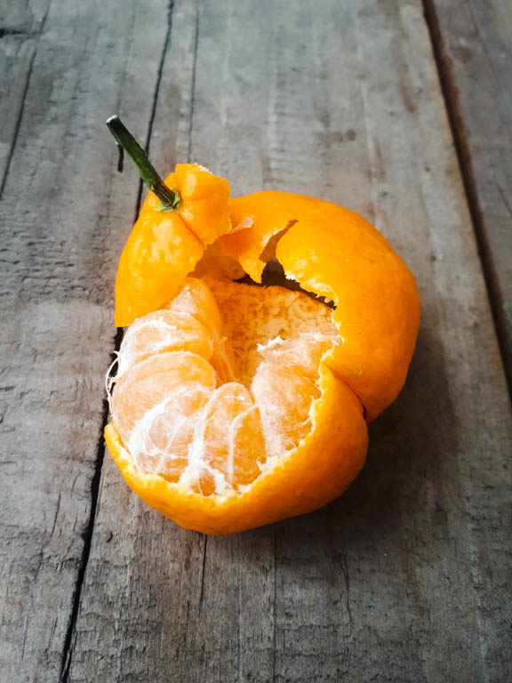 fruits in the philippines - a filipino orange or mandarin